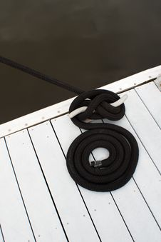 Free Dock Cleat And Rope Stock Image - 19583851