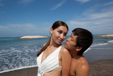 Free Romantic Couple At The Beach Stock Images - 19584994