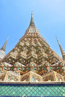 Free Ancient Pagoda Or Chedi At Wat Pho Royalty Free Stock Photo - 19589405