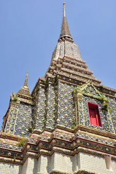 Free Ancient Pagoda Or Chedi At Wat Pho Royalty Free Stock Photos - 19589418
