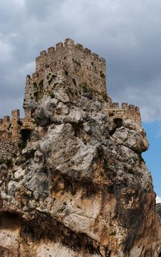 Free Ruins Of A Medieval Castle On The Rock Stock Images - 19590634