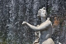 Free Fountain At Royal Palace - Caserta Royalty Free Stock Photography - 19593617