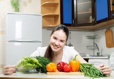 Free Young Beautiful Caucasian Woman In The Kitchen Royalty Free Stock Photo - 19594325