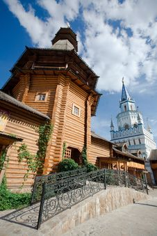 Free Russian Wooden Church Royalty Free Stock Image - 19595006