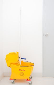 Free Mop And Bucket Stock Images - 19597444