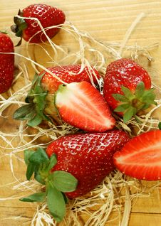 Free Strawberry On Wooden Royalty Free Stock Image - 19599326