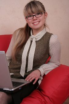 Free Woman In Glasses With Laptop Royalty Free Stock Photos - 1961008