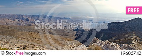 Free Looking Into Death Valley Stock Photography - 19605742