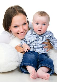 Free Pretty Young Women With Her Son Royalty Free Stock Image - 19600976