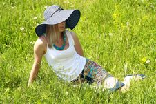 Blonde Girl In Hat And Spectacles Royalty Free Stock Images