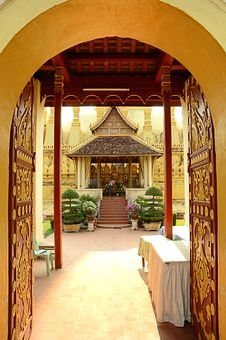 Free Lao Style Temple At That Luang Royalty Free Stock Image - 19605886