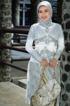 Free Moslem Fashion Royalty Free Stock Photo - 19606245