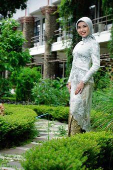 Free Moslem Fashion Royalty Free Stock Photo - 19606405
