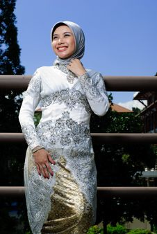 Free Moslem Fashion Royalty Free Stock Photo - 19606445