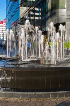 Free Fountain In Downtown Royalty Free Stock Photo - 19609815