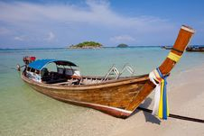Free Boat On The Sea Stock Photography - 19611872