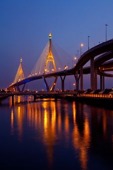 Free The Bridge Crosses The Chao Phraya River Stock Images - 19611914