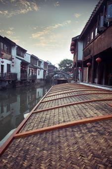Free Suzhou Canal Royalty Free Stock Photo - 19612055