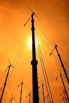 Free Wind Turbine Royalty Free Stock Photos - 19614868