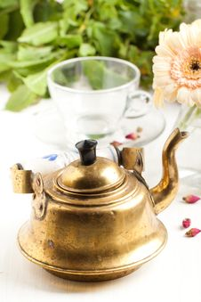 Free Old Golden Teapot Stock Image - 19614941