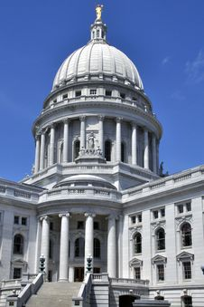 Free Madison State Capitol Stock Photography - 19621062