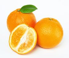 Free Oranges With Leaf Royalty Free Stock Photos - 19627068