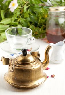 Free Old Golden Teapot Royalty Free Stock Photos - 19627188