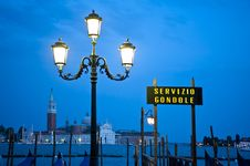 Free Sign For Gondola Dock In Venice, Italy Royalty Free Stock Photo - 19633555