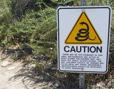 Free Rattlesnake Caution Sign Royalty Free Stock Photo - 19634255