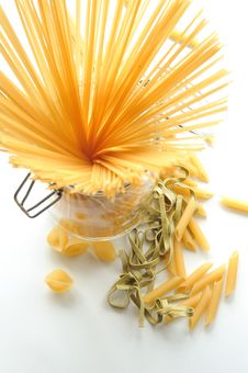 Free Italian Pasta, Spaghetti, Tagliatelle And Penne Stock Photos - 19639493