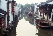 Free Suzhou Canal Royalty Free Stock Photo - 19640935