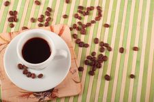 Free Coffee Cup And Coffee Beans Royalty Free Stock Image - 19641186