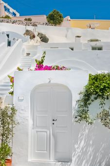 Free Classic White Architecture Of Santorini, Greece Royalty Free Stock Photography - 19642557