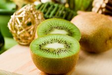 Free Kiwi Dessert On Cutting Board Royalty Free Stock Photo - 19647765