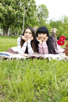 Free Mother And Daughter Royalty Free Stock Image - 19652486