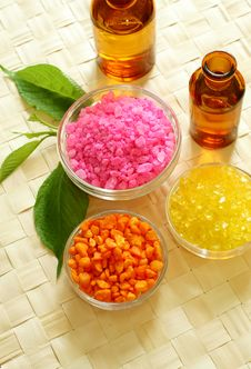 Spa Composition Of Bath Salt And Bottles Of Essenc Royalty Free Stock Images
