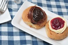 Free Assorted Fruit Cream Pastry Stock Images - 19654494