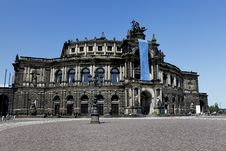 Free The Semperoper Of Dresden, Saxony Royalty Free Stock Photography - 19654667
