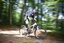 Free Downhill Mountain Bikers Stock Image - 19655601