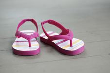 Free Little Girl Sandals Royalty Free Stock Photo - 19658665
