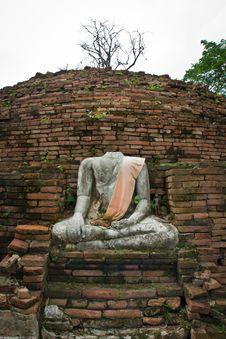 Free Destroyed Buddha Statue Royalty Free Stock Photos - 19660578