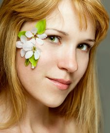 Free Beautiful Women With Flower Make Up Stock Photography - 19661012