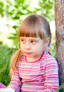 Free Cute Toddler Girl In The Garden Stock Images - 19666414