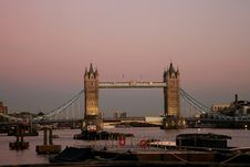 Free Tower Bridge At Dusk Royalty Free Stock Images - 19669699