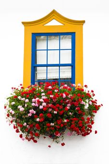Free Traditional Window  With Bright Colors Royalty Free Stock Photo - 19674525