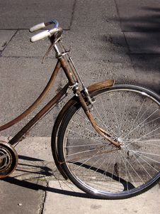 Free Rusty Bike Royalty Free Stock Photo - 19675405