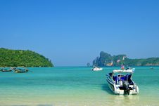 Coast Of The Island Koh Phi Phi Royalty Free Stock Photos
