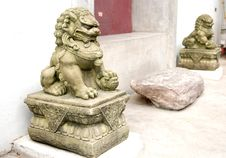 Free Stone Lion Royalty Free Stock Photography - 19677977