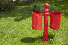 Free Red Bin Stock Images - 19681554