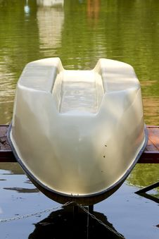 Free Upside-down Boat Royalty Free Stock Photography - 19685807